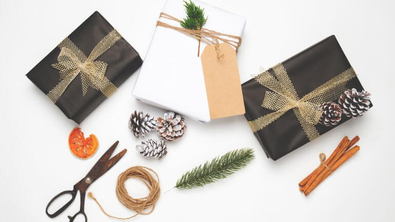 8 idej za kreativno zavijanje daril