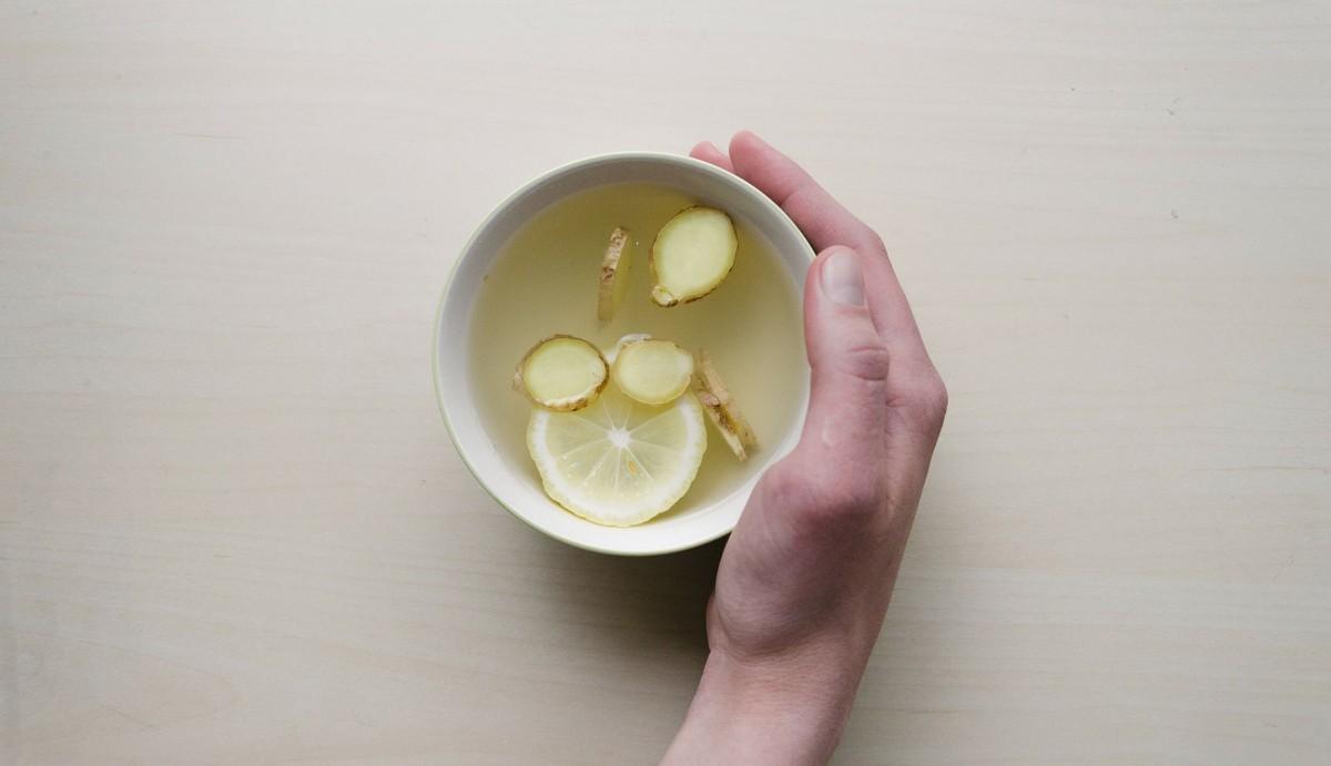 Ingverjev čaj za hladne zimske dni